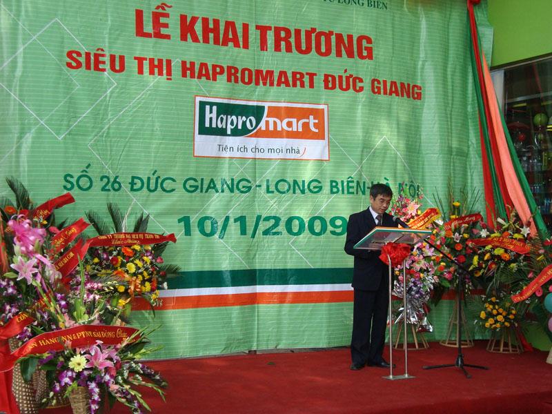 Ông Nguyễn Văn Định lên phát biểu khai trương ST Đức Giang